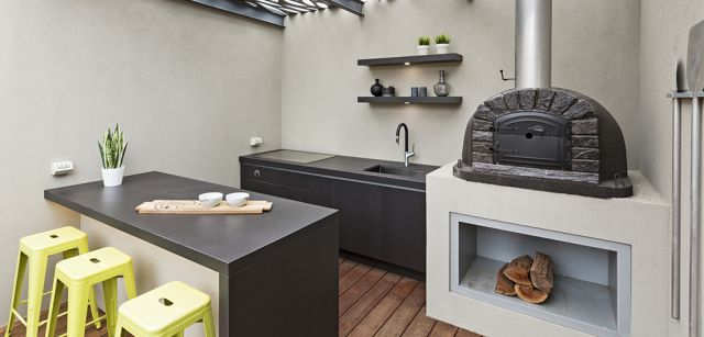 Pizza Chef- Dekton & Pizza Oven